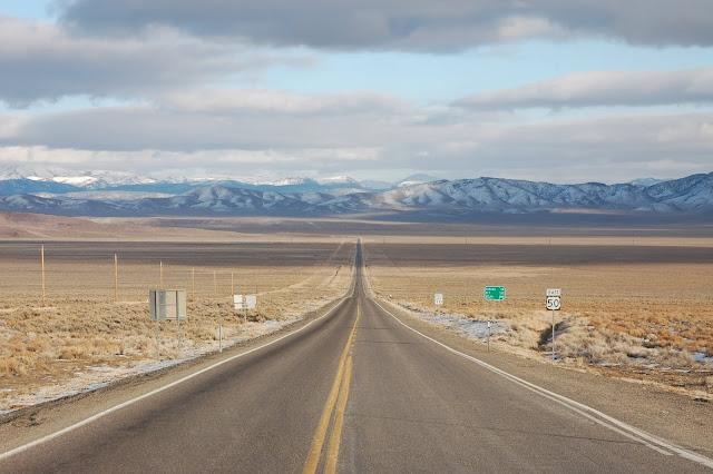 旅に出たくなる?アメリカにある「最も孤独な道」ルート50 【t】
