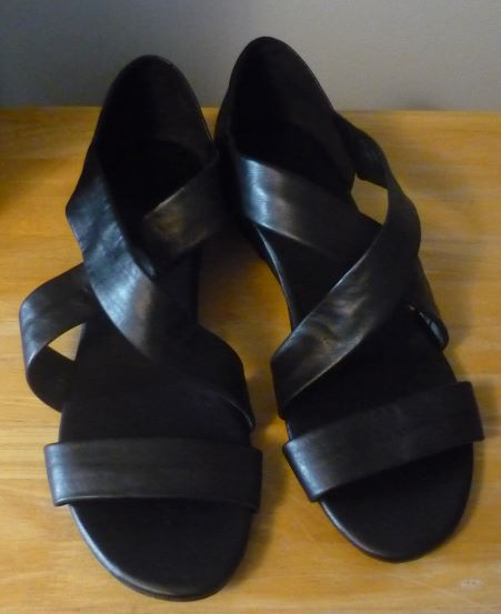 cd0996f4ac5d I like the closed heel.