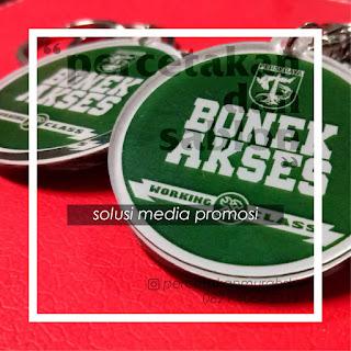 http://www.percetakanmurahsby.com/2018/12/merchandise-bonek-akses.html