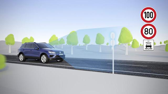 VW aprimora tecnologia de reconhecimento de sinais