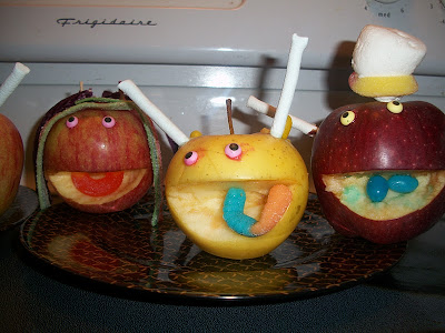 Turn your apples into monsters #Halloween