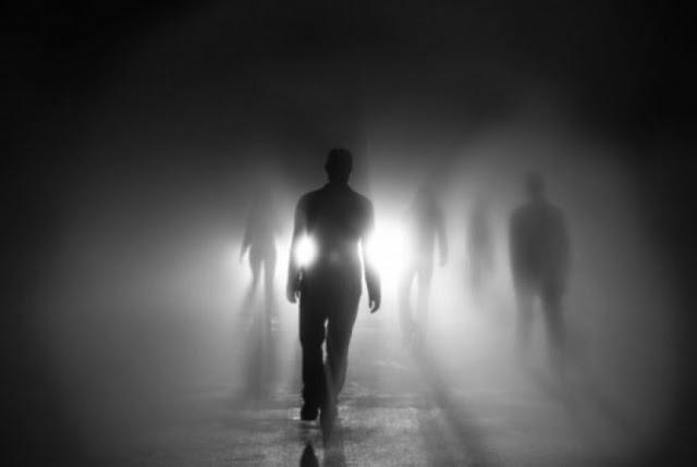 Orang Yang Cerdas Adalah Orang Yang Mengingat Kematian Orang Yang Cerdas Adalah Orang Yang Mengingat Kematian