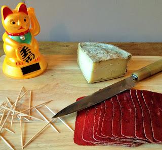 yakitori tome de savoie, tome de savoie au fenouil, la laiterie de paris, fromage paris, blog fromage, blog fromage maison, voyage fromage, tour du monde du fromage