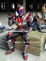 http://2.bp.blogspot.com/-S1tUlRzXzJI/VneBxVS75kI/AAAAAAAAFIw/ZdlKvNRVeP4/s1600/armor_hero_backstages_1.jpg