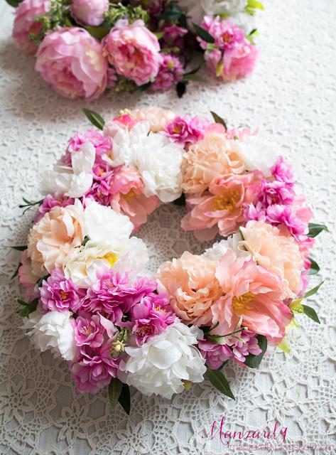 Tavaszi selyemvirág koszorú - így készült I Manzard9