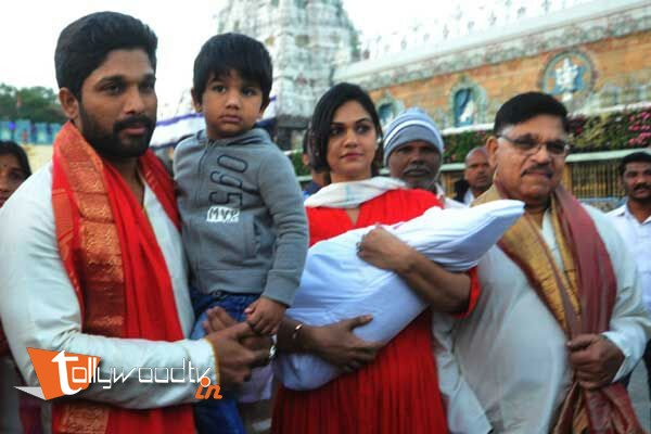 Allu arjun at Tiruapati-HQ-Photo-3