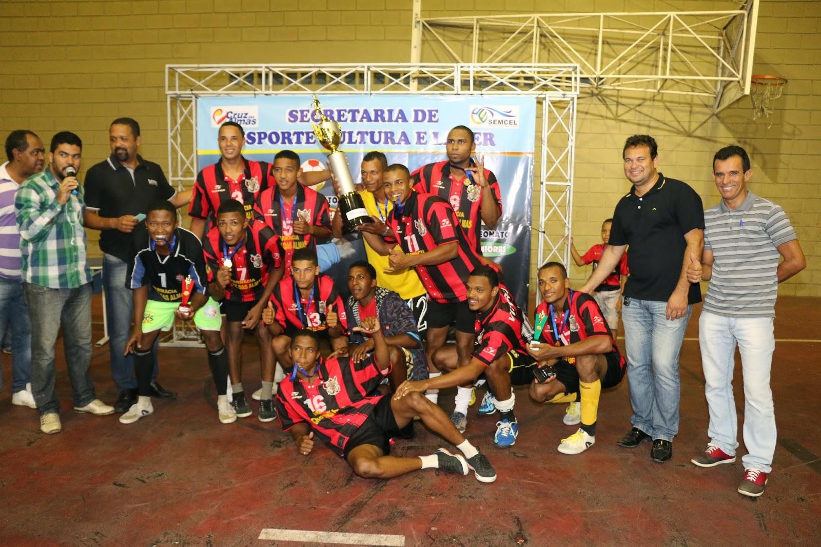 f5af152eb3369 Cruz das Almas Campeonato Interbairros de Futsal termina com placar aperto  e Ginásio lotado. sexta-feira ...