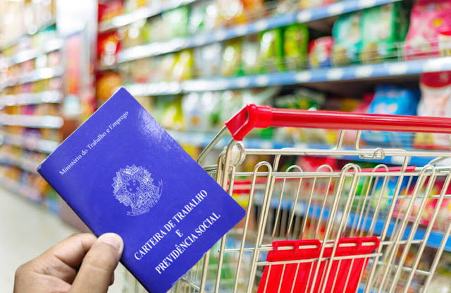 vagas em supermercado