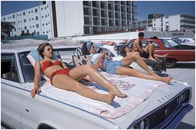 http://savetheflower-1967.tumblr.com/post/106717076935/daytona-beach-vacationers-1967-by-elliott