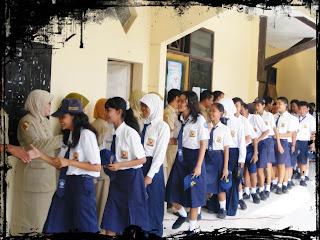 Naskah Biantara (Pidato) Bahasa Sunda Halal Bihalal Idul Fitri Tentang Silaturahmi Sabada Lebaran