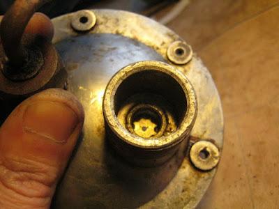 установка ограничителя хода клапана на место