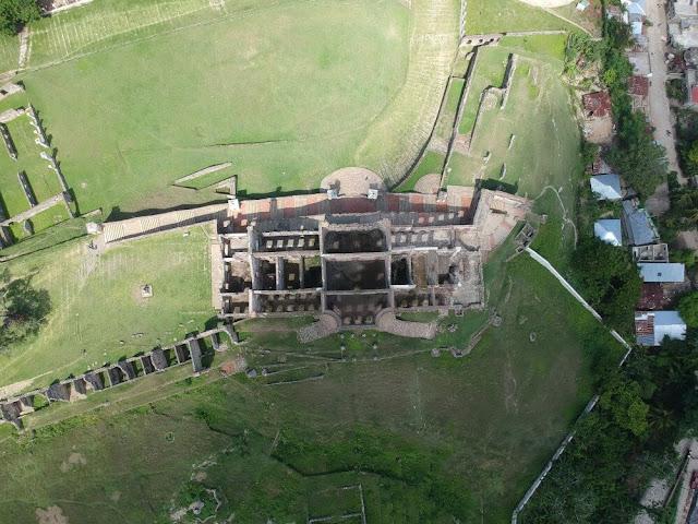 PALACIO DE SANS SOUCI desde drone
