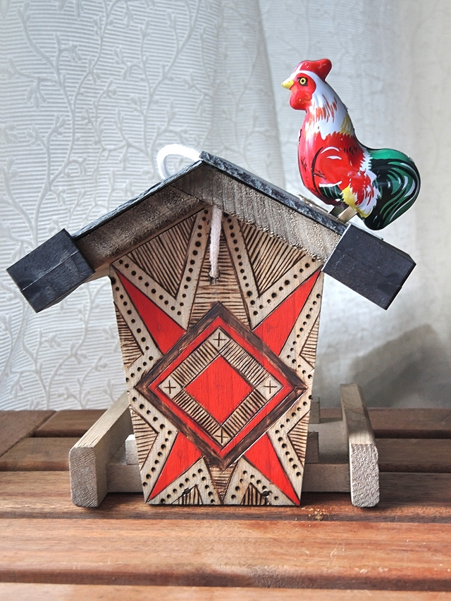 decorated wood burning project - houtbranden op een vogelhuisje