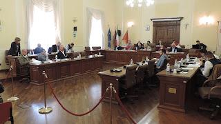 cc2098792ee9 SULMONA - Il Consiglio Comunale ha dato il via libera al bilancio di  previsione 2019-2021. Dopo un avvio di seduta piuttosto vivace