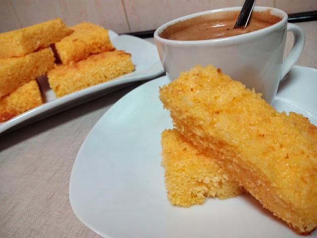 http://www.lacocinadepedroyyolanda.com/2016/01/bizcocho-de-polenta.html
