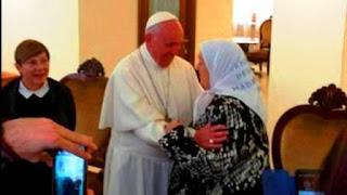 El anuncio de la visita de Bonafini a Francisco generó polémica luego que la dirigente social Margarita Barrientos contara que no fue recibida por el Pontífice en su última visita al Vaticano.