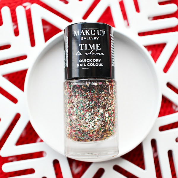 The perfect Christmas nail polish