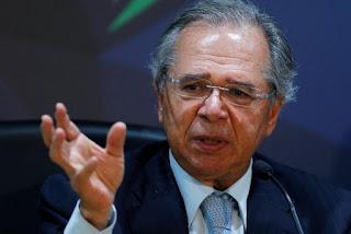 'Não se assustem se alguém pedir o AI-5', diz Paulo Guedes em crítica a Lula