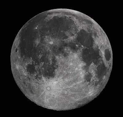 bisa saja bulan lahir bersama dengan bumi