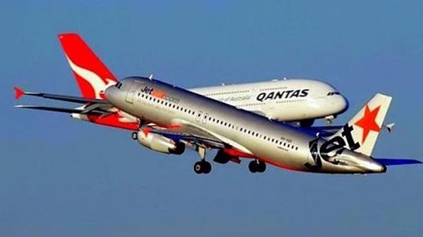 نصائح تساعد المسافرين على النجاة في حال وقوع حوادث الطيران.