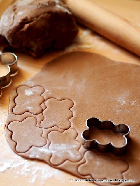 pierniczki katarzynki, domowe pierniki, ciasteczka piernikowe, ciastka korzenne, ciasteczka chmurki, bożenarodzenie