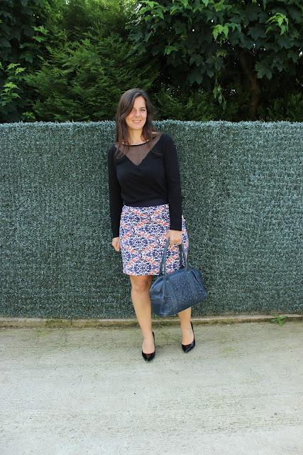 Jupe balsamik, chaussures Vanessa Wu, top undiz