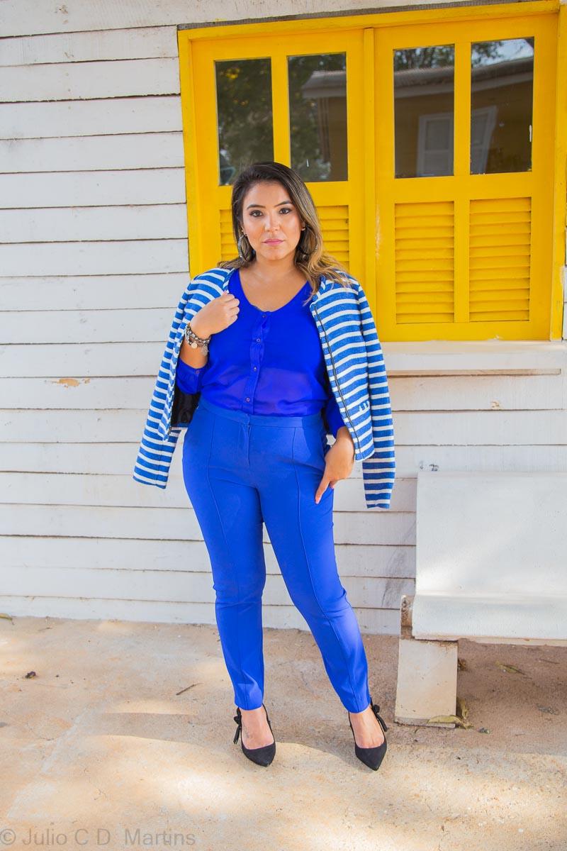 All blue: um charme azul no look de trabalho
