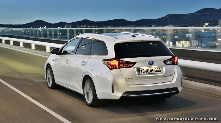 2017 Toyota Auris Hybrid Review Estate