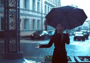 Ingin Liburan Saat Musim Hujan? Begini Tips Memilih Tempat Wisata yang Cocok di Musim Hujan
