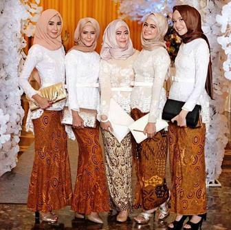 Seragam Kebaya Brokat Putih Kombinasi Batik Untuk Muslimah Berhijab