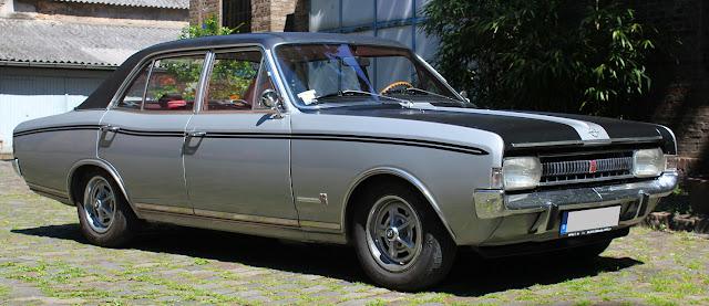 Mercedes Federn Im Commodore B