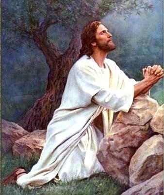 Ilustración de Jesús orando o rezando a colores