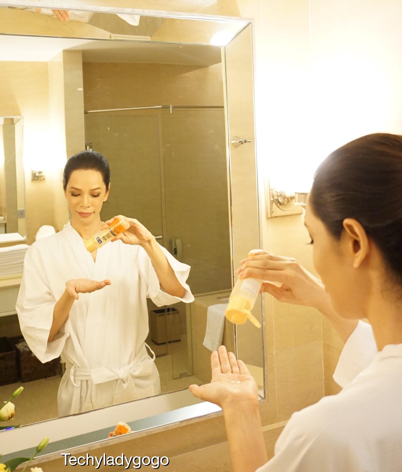 รีวิว น้ำตบ ฮาดะ ลาโบะ สีทอง Hada Labo Premium Lotion โลชั่นสูตรพรีเมียม เข้มข้น เพื่อฟื้นฟูผิวโทรมโดยเฉพาะ ให้ชุ่มชื่นยาวนาน
