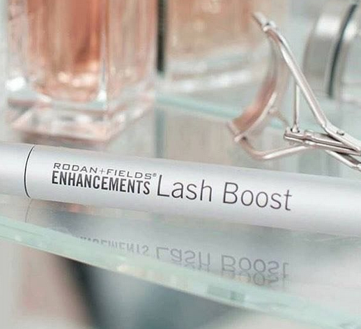 feaa19e1787 Get lush, longer-looking lashes in as little as four weeks with Lash Boost.  This nightly eyelash-conditioning serum features a unique proprietary  formula ...