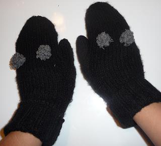 rękawiczki ze starego swetra
