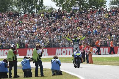 Tahun Ini Untuk Pertama Kalinya MotoGP Assen Berlangsung Hari Minggu