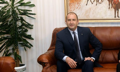 Новоизбраният президент Румен Радев ще разпусне парламента на 2 февруари, а изборите ще се проведат точно 2 месеца по-късно - на 2 април