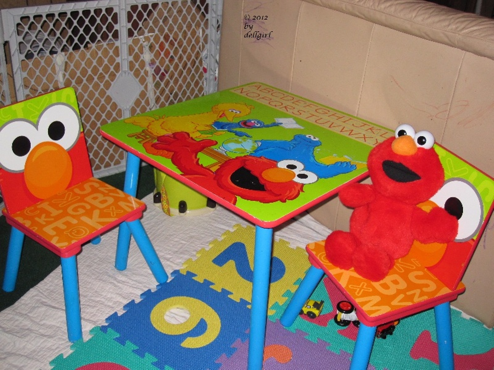 Elmo Table And Chairs Marc Newson Chair At The Starting Gate