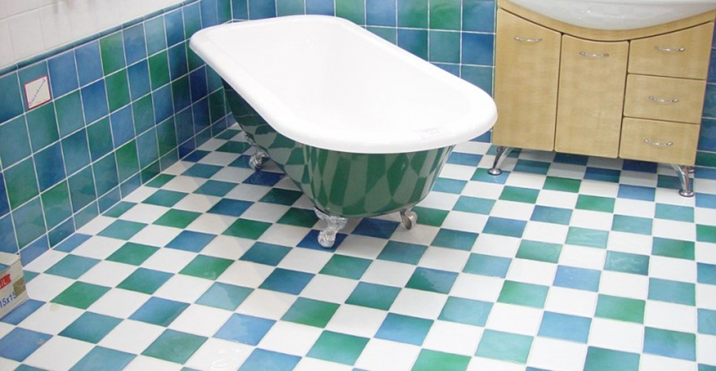 Come pulire le piastrelle del bagno edilizia in un click