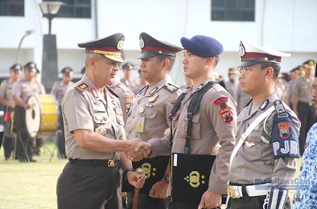 Polisi yang Sabar Dibentak-bentak Saat Jaga Tablig 212 Solo Diberi Penghargaan