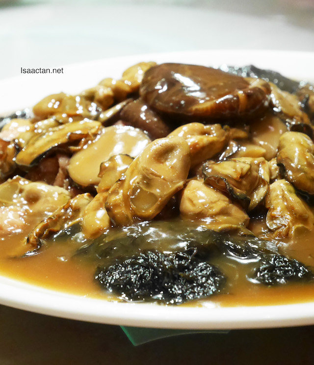 Stewed Sun-dried Oyster with sea moss and Garden Green in Oyster Sauce