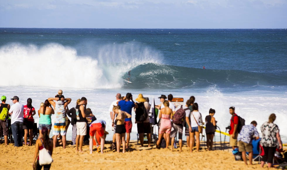 41 Billabong Pipe Masters Mitch Coleborn Foto ASP