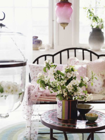Simply Home Decorating: Simply Shabby Chic Blog: Home Decorating Ideas