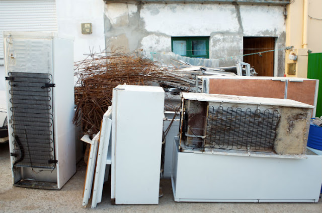 The Way Professional Junk Removal Services Help You to Face Hassles