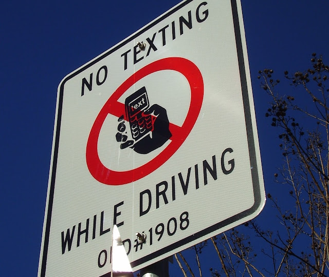 Cars that block the mobile signal in response to the increase in the accident rate