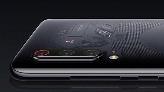 Xiaomi Mi 9 SE kemungkinan bakal dirilis di pasar global. Harga Xiaomi Mi 9 SE di Cina sekitar Rp4 jutaan dengan spesifikasi lebih rendah dibanding Xiaomi Mi 9.