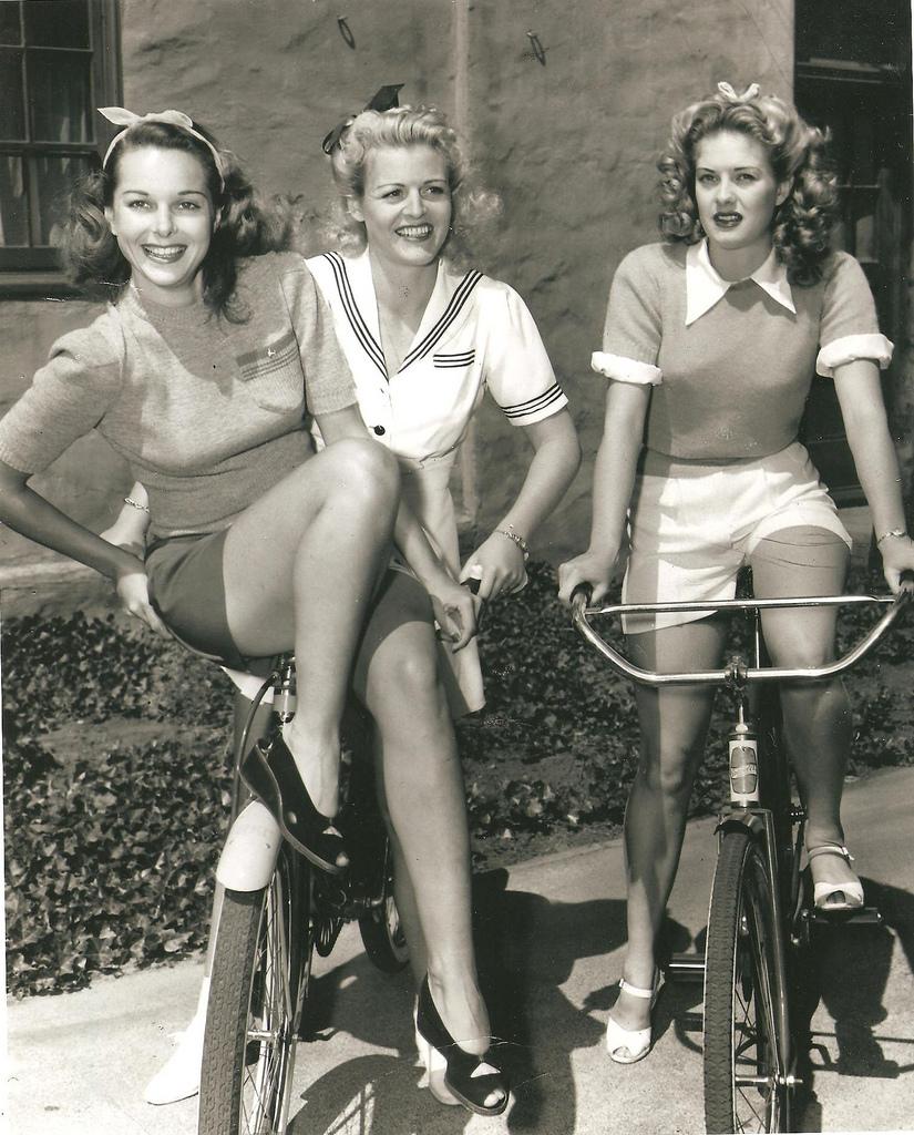 Retro Vintage Women 114