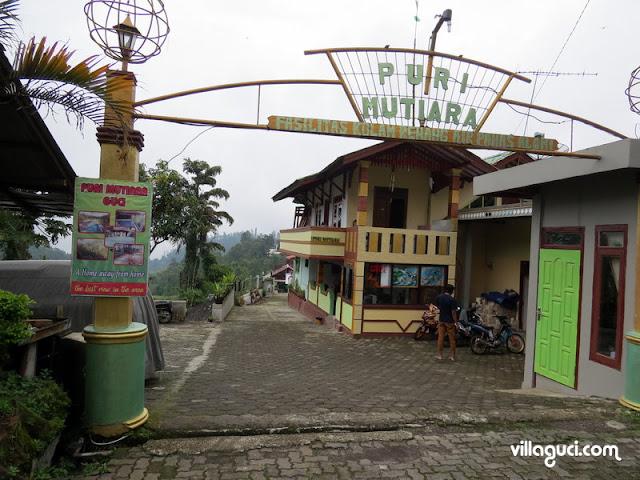 Villa Guci Puri Mutiara