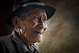 senyuman kakek