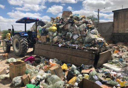 FPI interdita lixão mantido a céu aberto pela Prefeitura de Senador Rui Palmeira